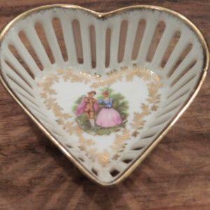 Vintage Porecelain German HeartTrinket Dis…